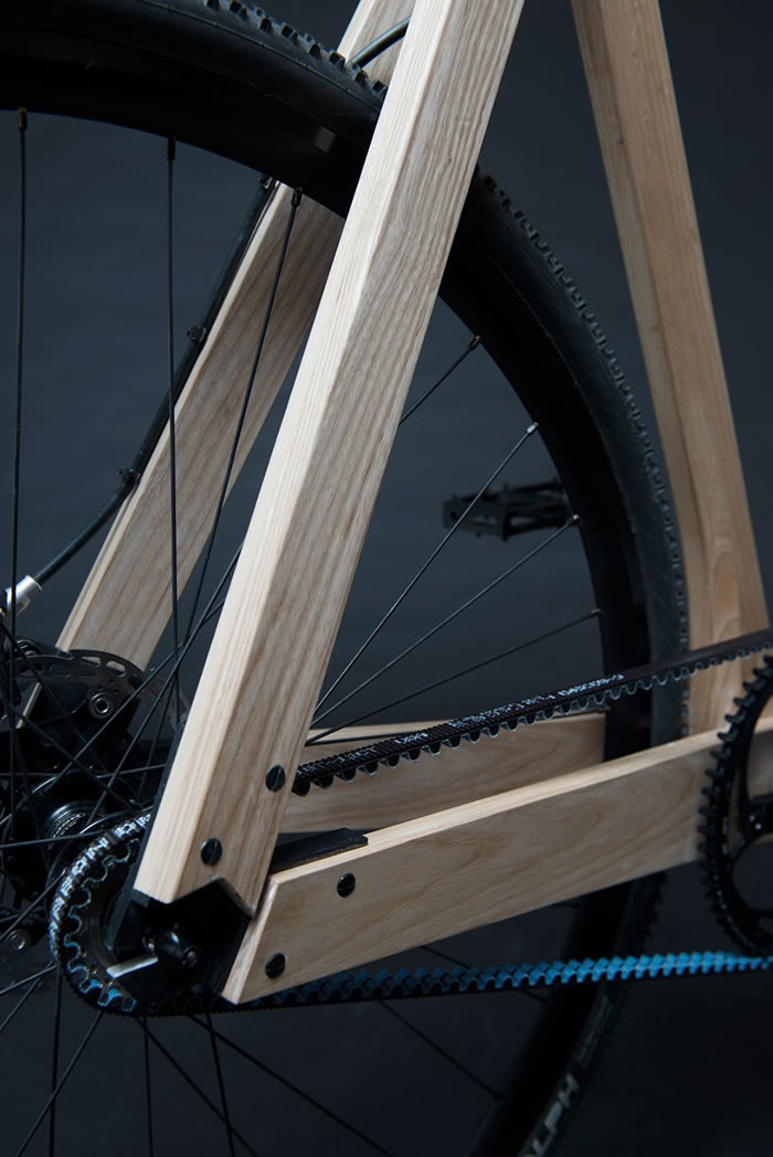 Wooden bicycle de Paul Timmer