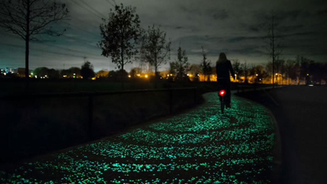 Van Gogh-Roosegaarde Bicycle Path :: carril bici fluorescente